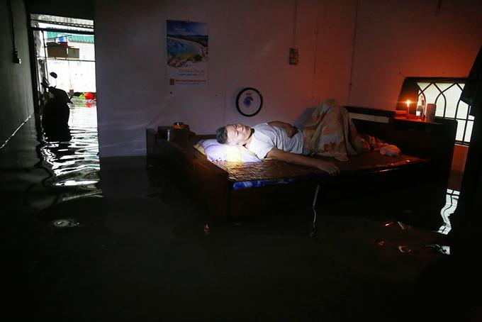 Nha Trang ngập sâu trong nước