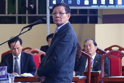 Ông Phan Văn Vĩnh trong phần thẩm vấn chiều 19/11. Ảnh: Phạm Dự.