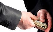 Cán bộ phòng giáo dục huyện bị tố cáo nhận tiền tỷ của thí sinh