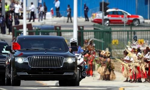 Xe Hồng Kỳ chở Chủ tịch Trung Quốc Tập Cận Bình tại Papua New Guinea tuần trước. Ảnh: Reuters.