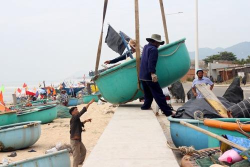 Nhiều tỉnh phát loa cập nhật diễn biến bão Usagi cho người dân