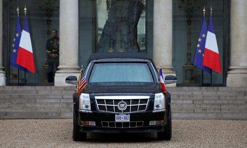 Xe Quái thú của Trump tại Paris hồi giữa tháng. Ảnh: Reuters.