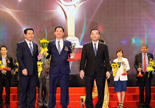 Doanh nghiệp nhận giải vàng chất lượng quốc gia năm 2016. Ảnh: HH.