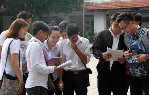 Thí sinh tự do dự thi THPT quốc gia tại TP HCM. Ảnh: Mạnh Tùng.