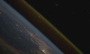 Quá trình tàu vũ trụ phóng lên quỹ đạo nhìn từ không gian