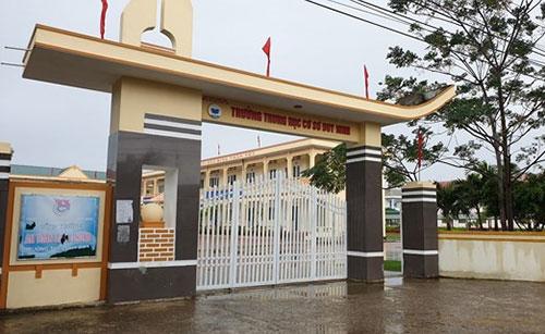 Trường THCS Duy Ninh ở xã Duy Ninh (Quảng Ninh, Quảng Bình).