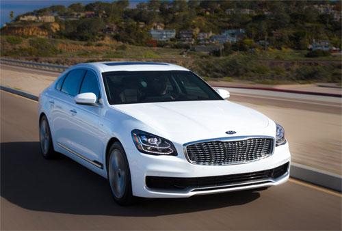 Kia K900 thế hệ mới mang ngoại hình hiện đại, nội thất cao cấp và mức giá từ 60.000 USD.
