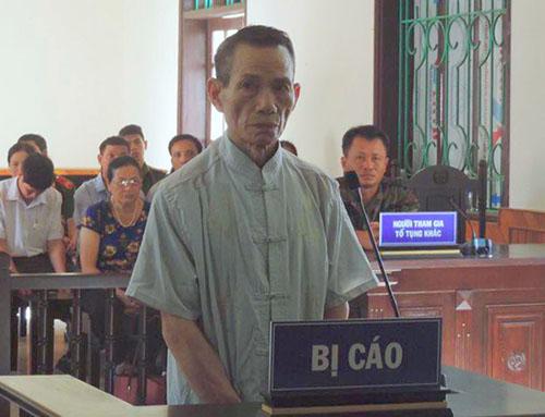 Bị cáo Nhân tại phiên xử sơ thẩm hồi tháng 5. Ảnh: Đức Hùng