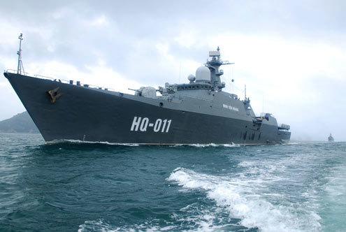 Tàu hộ vệ tên lửa Đinh Tiên Hoàng mang số hiệu HQ-011. Ảnh: Trọng Thiết.
