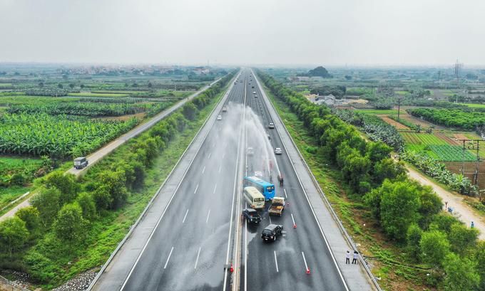Việt Nam lần đầu diễn tập cứu hộ trên cao tốc