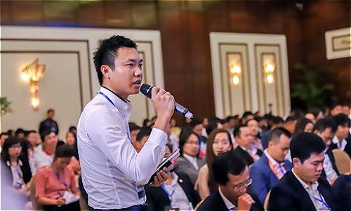 Nhiều người trẻ khởi nghiệp bày tỏ e ngại về vốn với lãnh đạo Chính phủ. Ảnh: Nguyễn Đông.