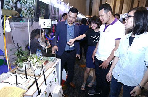 Sản phẩm startup trưng bày tại Techfest 2018.Ảnh: Nguyễn Đông.