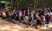 Gần trăm cảnh sát vây bắt sòng bạc trong rừng cao su Bình Dương