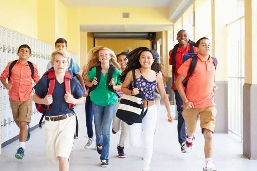 Có kỹ năng sống, trẻ sẽ tự tin hơn. Ảnh: Psychology Today