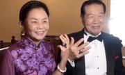 Chuyên gia pháp y 80 tuổi tái hôn ở Mỹ, vẽ nhẫn cưới 5 cara