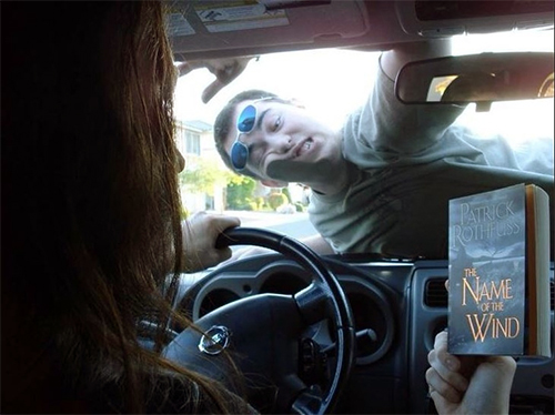 10 thói quen nguy hiểm khi lái xe - 9