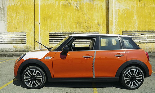 Mini Cooper S 2019 the he moi cap cang Sai Gon