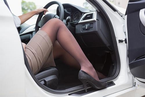 10 thói quen nguy hiểm khi lái xe - 2