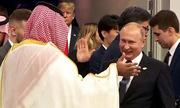 Điện Kremlin giải thích màn đập tay của Putin với Thái tử Arab