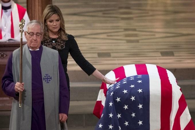 Những hình ảnh xúc động trong tang lễ của cố tổng thống Bush tại Washington