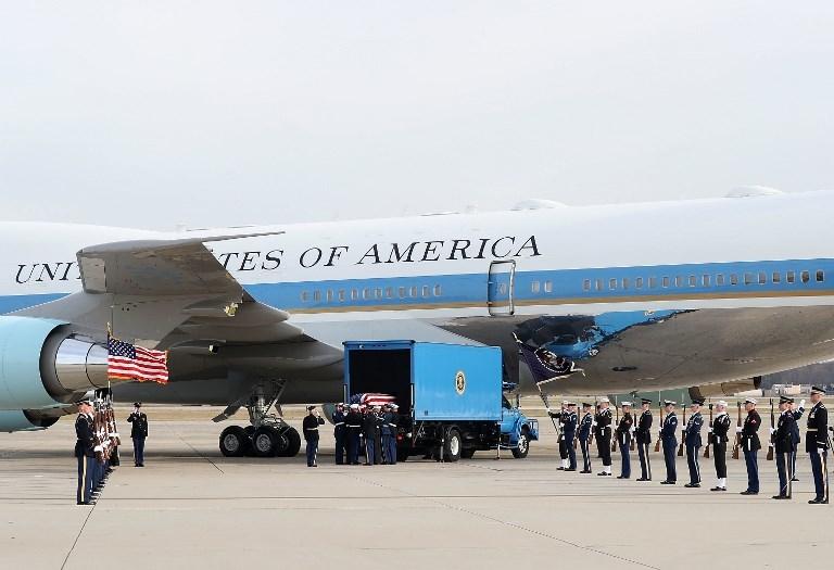 Những hình ảnh xúc động trong tang lễ của cố tổng thống Bush