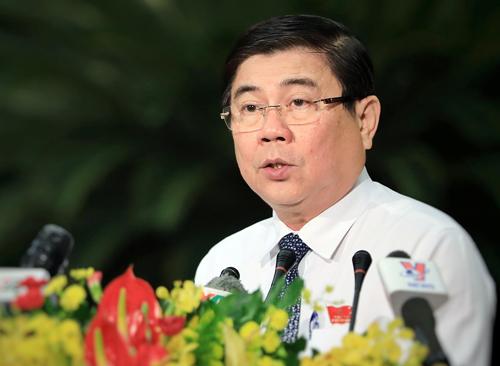 Chủ tịch UBND TP HCM Nguyễn Thành Phong phát biểu cuối phiên chất vấn của các đại biểu HĐND TP HCM. Ảnh: Hữu Khoa