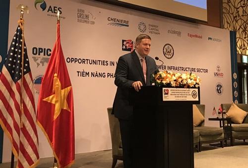 Quyền trợ lý Bộ trưởng Thương mại MỹIan Steff phát biểu tại hội thảo hôm nay. Ảnh:Lãnh sự quán Mỹ.