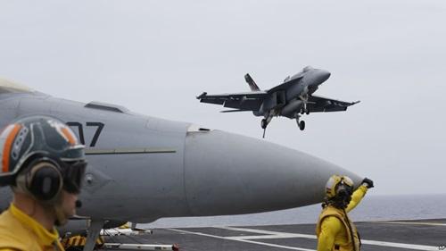 Chiến đấu cơ F/A-18 Hornet trong cuộc tập trận chung giữa Mỹ, Nhật và Ấn Độ năm 2016. Ảnh: Reuters.