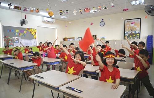 Không khí bóng đá lan tỏa vào lớp học. Ảnh: Trường Tiểu học và THCS FPT