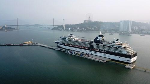 Cảng tàu khách quốc tế Hạ Long đón tàu khách nước ngoài. Ảnh: Bình Minh