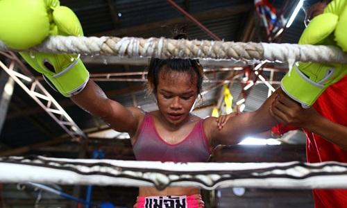 Cuộc sống còn nhiều thách thức của người chuyển giới Thái Lan - ảnh 1