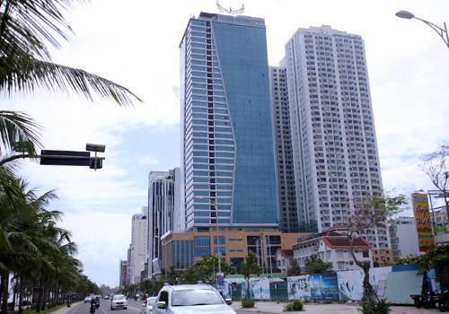 Tổ hợp khách sạn và căn hộ chung cư cao cấp của Mường Thanh ven biển Đà Nẵng. Ảnh: Nguyễn Đông.