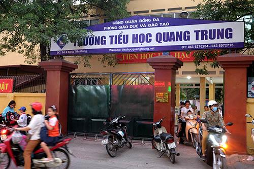 Trường Tiểu học Quang Trung (quận Đống Đa, hà Nội) nơi xảy ra sự việc cô giáo cho bạn tát học sinh. Ảnh: Quỳnh Trang.