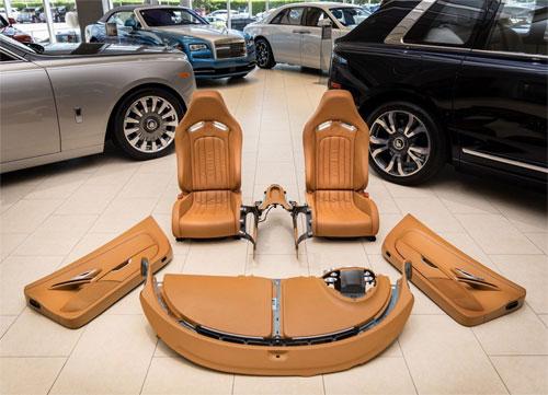Bộ nội thất của Veyron đời 2008 giá 150.000 USD.