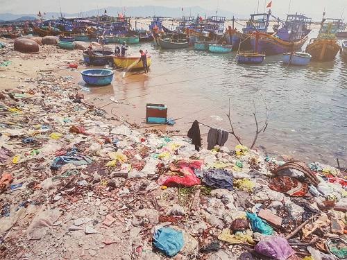 Rác thải ở ven biển Việt Nam. Ảnh: Ban tổ chức