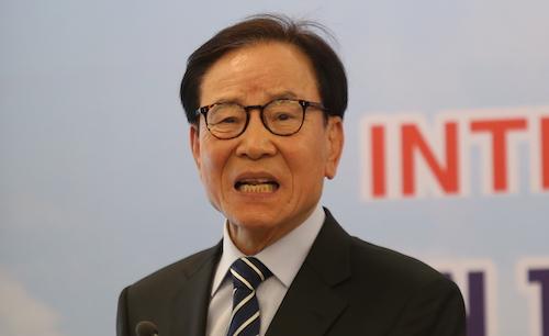 Ông Kim In Hwan, nguyên Thứtrưởng Bộ Môi trườngHàn Quốc. Ảnh: Gia Chính