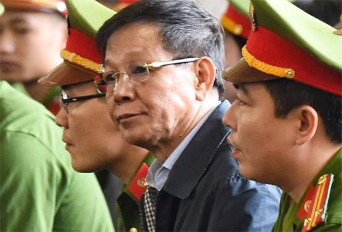 Cựu tổng cục trưởng Phan Văn Vĩnh bị phạt 9 năm tù.