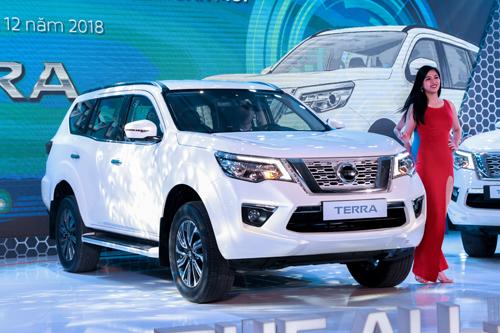 Nissan Terra gia tu 988 trieu - thap hon Fortuner 40 trieu