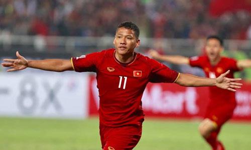 Anh Đức mừng bàn thắng sớm ở chung kết lượt về. Ảnh: Đức Đồng.