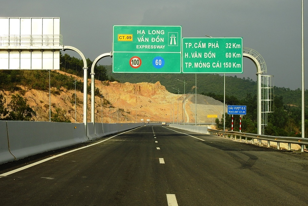 Cao tốc 12.000 tỷ đồng ở Quảng Ninh trước ngày thông xe