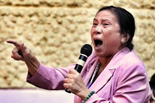 Người dân Thủ Thiêm trút uất hận hơn 10 năm trong cuộc tiếp xúc cử tri với lãnh đạo TP HCM. Ảnh: Hữu Khoa.