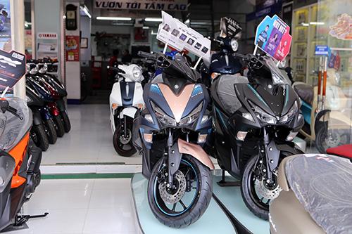 Xe ga Honda chenh gia Yamaha ban cham mua cuoi nam