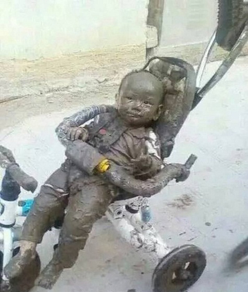 Khi con trai ở nhà cùng bố.