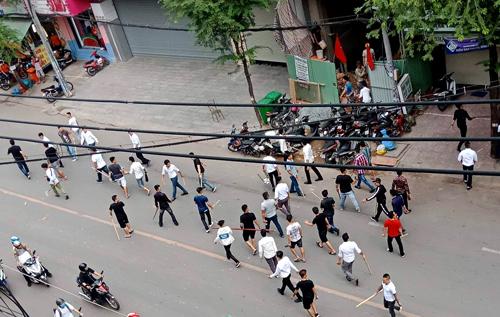 Hơn 50 người hỗn chiến trên đường Sài Gòn