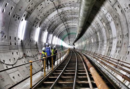 Giấc mơ metro của người Sài Gòn chưa thể thành hiện thực. Ảnh: Hữu Khoa.