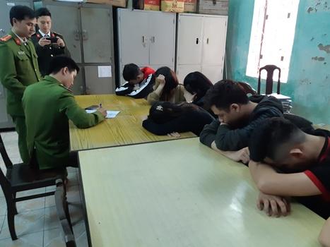 13 người dùng ma túy trong tiệm cắt tóc