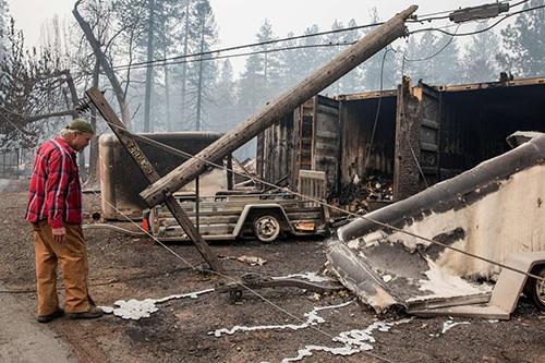 Hậu quả sau vụ cháy rừng ở Mỹ hồi tháng 11.