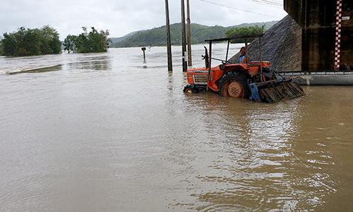 Nhiều nơi ở huyện Tuy An (Phú Yên) ngập trong nước lũ. Ảnh: Thành Văn