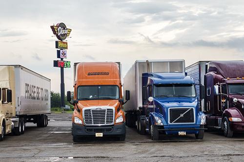 Một số dòng xe đầu kéo tại Mỹ.