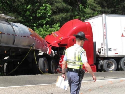 Chủ xe ở Mỹ sẽ gặp rắc rối nếu thuê tài xế từng gây tai nạn